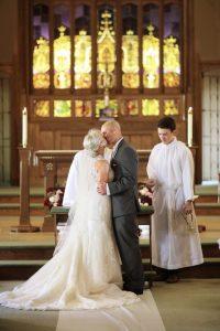j-bride-groom-first-kiss