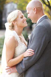 l-bride-groom-in-pittsburgh-park