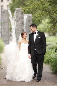 bride groom in park