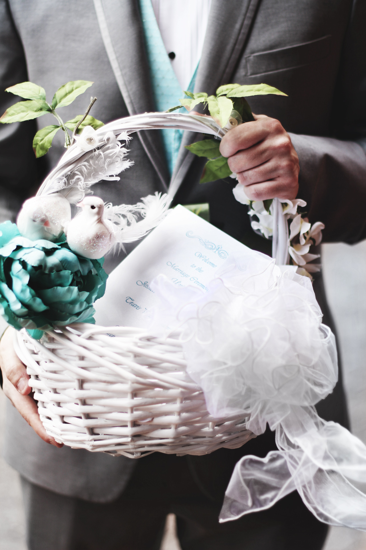 invitation-basket