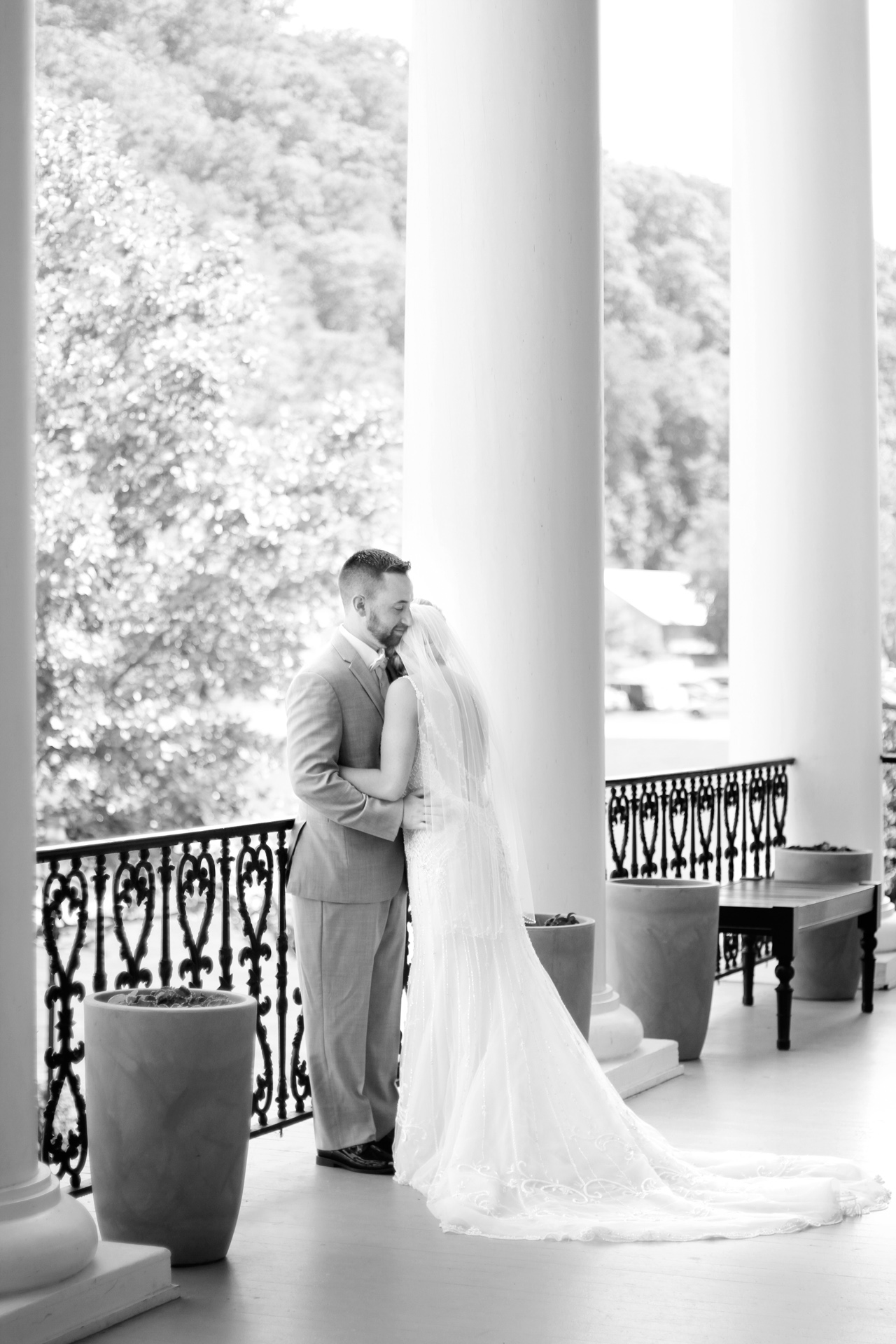 bride-groom-at-bedford-springs