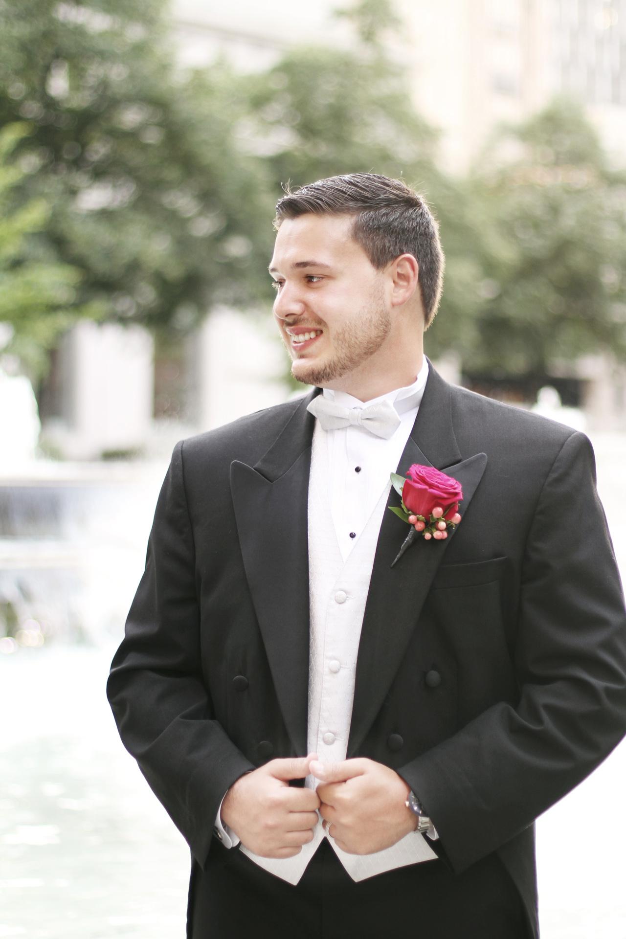 groom-in-park