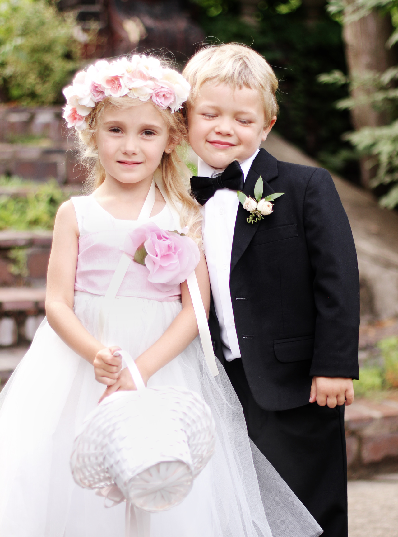 lovely-kids-at-wedding-pittsburgh