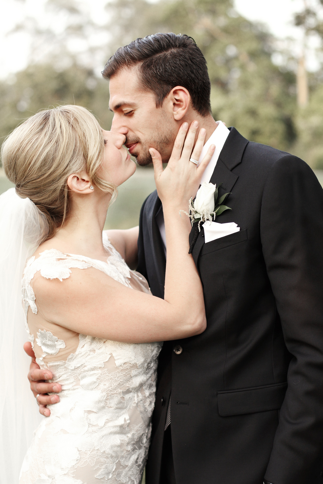 bride-groom-kissing