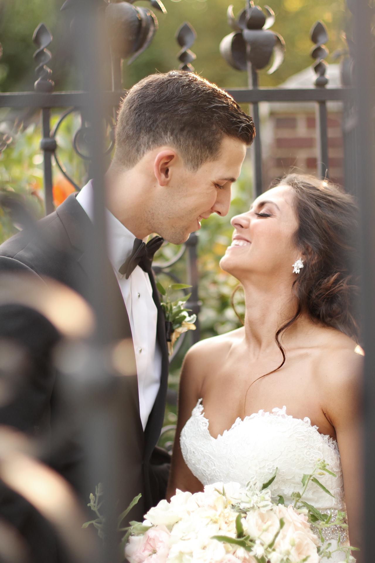 happy-bride-groom-araujo