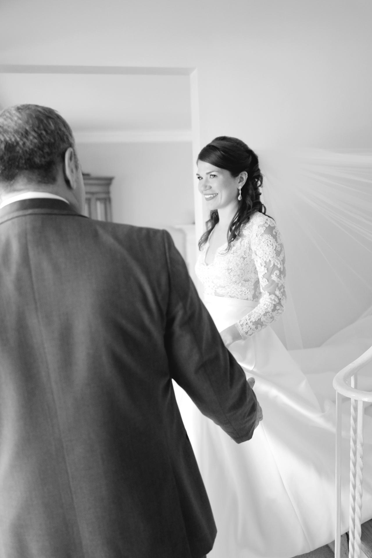 dad-sees-bride