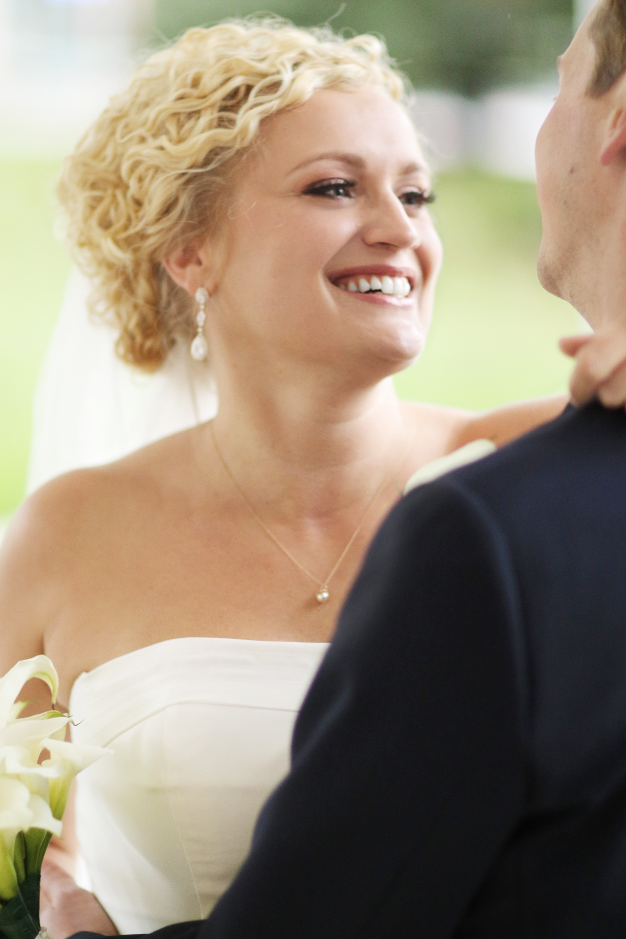 happy-bride-pittsburgh-wedding