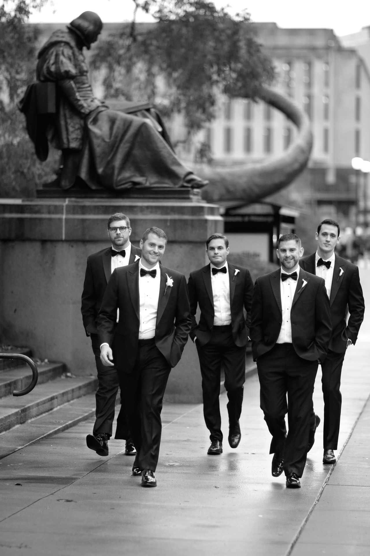 groom walks at carnegie pittsburgh