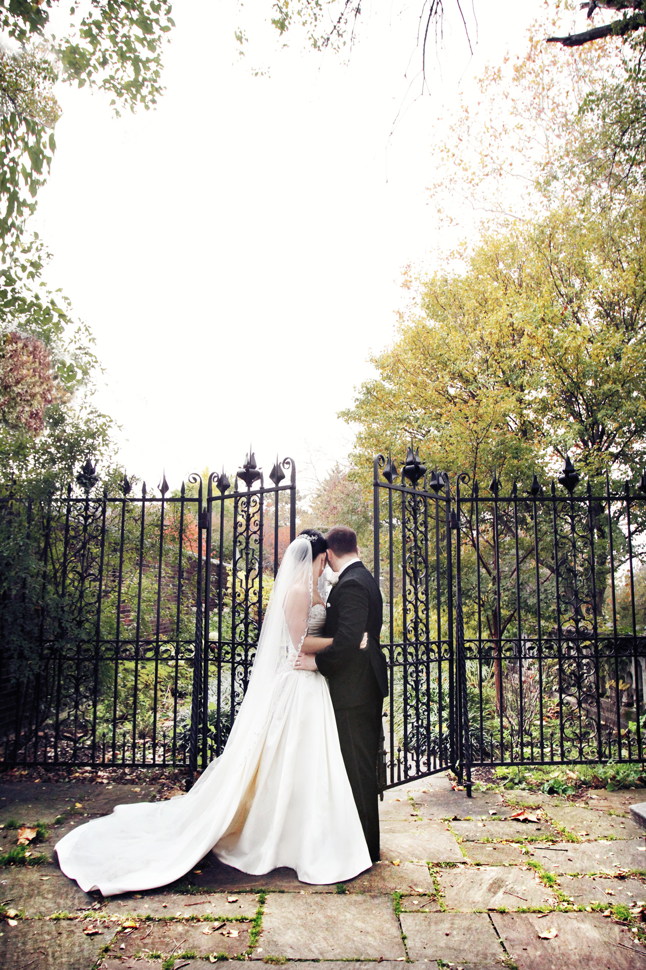 newlyweds-in-mellon-park