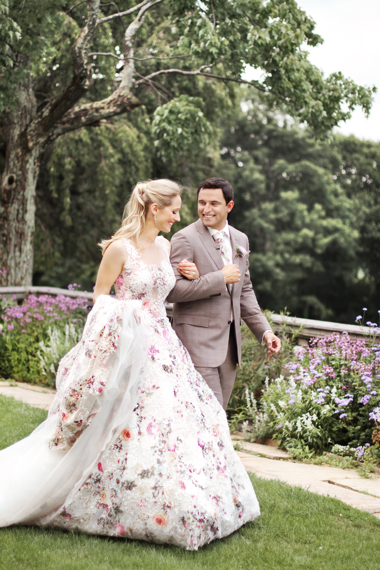 bride and groom walking at hartwood acres in pittsburgh pa