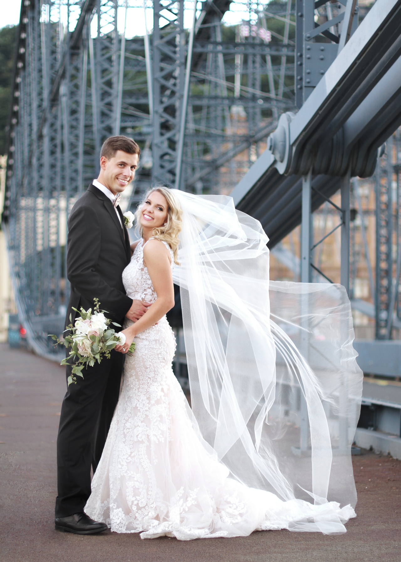 image-of-newlyweds-pittsburgh
