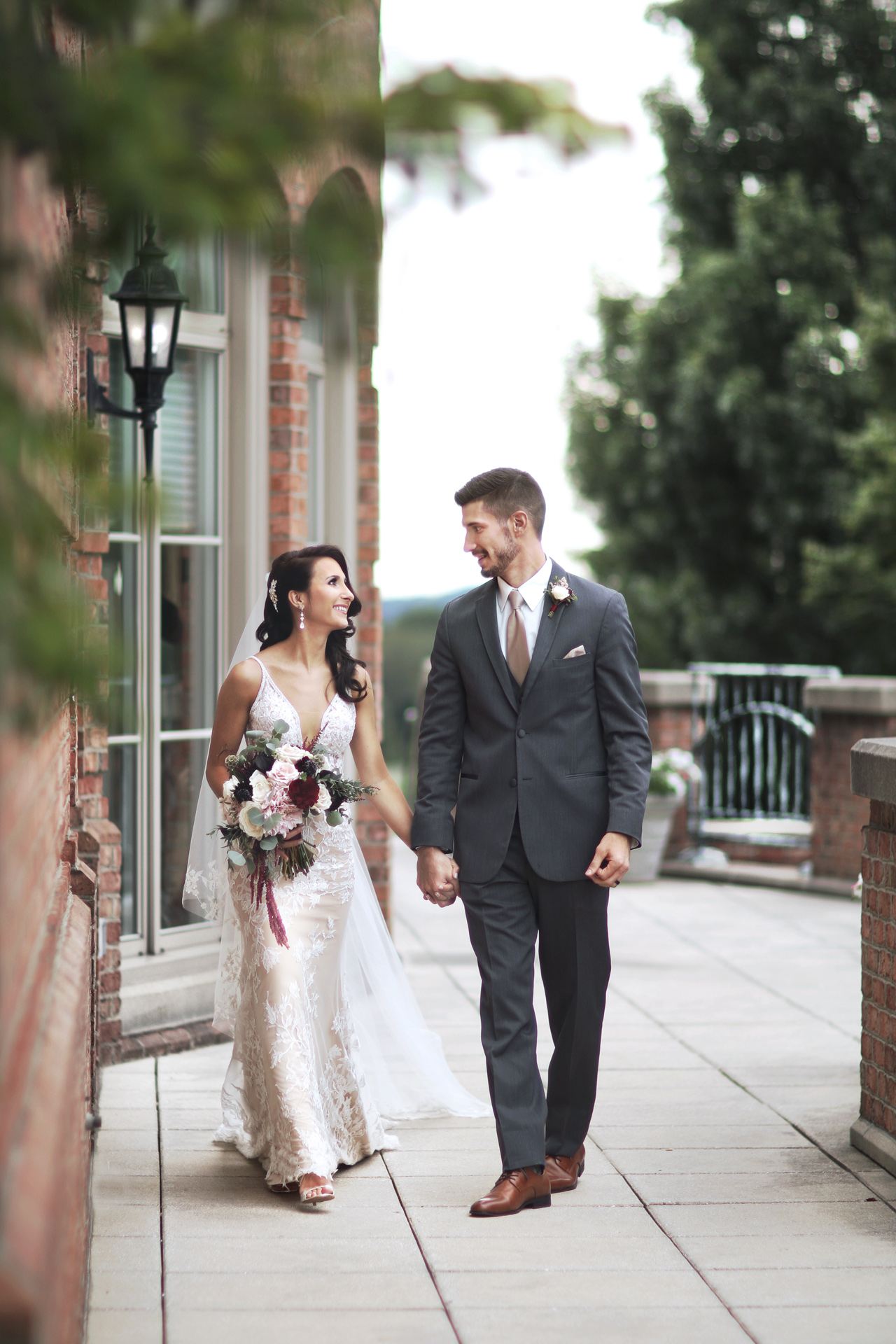Pittsburgh wedding photographer Araujo Photography